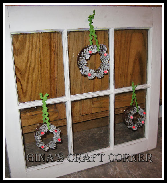 Mini Pinecone Wreath from Mason Jar Lids