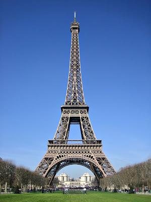 http://3.bp.blogspot.com/-jKoXRrW-j3A/TzcVonp7rvI/AAAAAAAAAAU/M902C7AzSCA/s1600/eiffel-tower.jpg