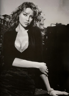 Evelina Manna, is a (would-be) actress and one of the subjects of the centre of the Berlusconi-Saccà deal