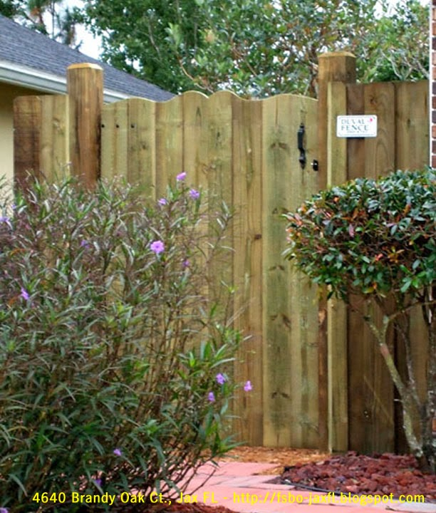 4640 Brandy Oak Court - Left Fence Gate