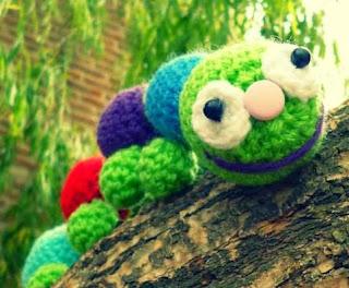 http://ovillanacrochet.blogspot.com.ar/2013/11/patron-gusanito.html