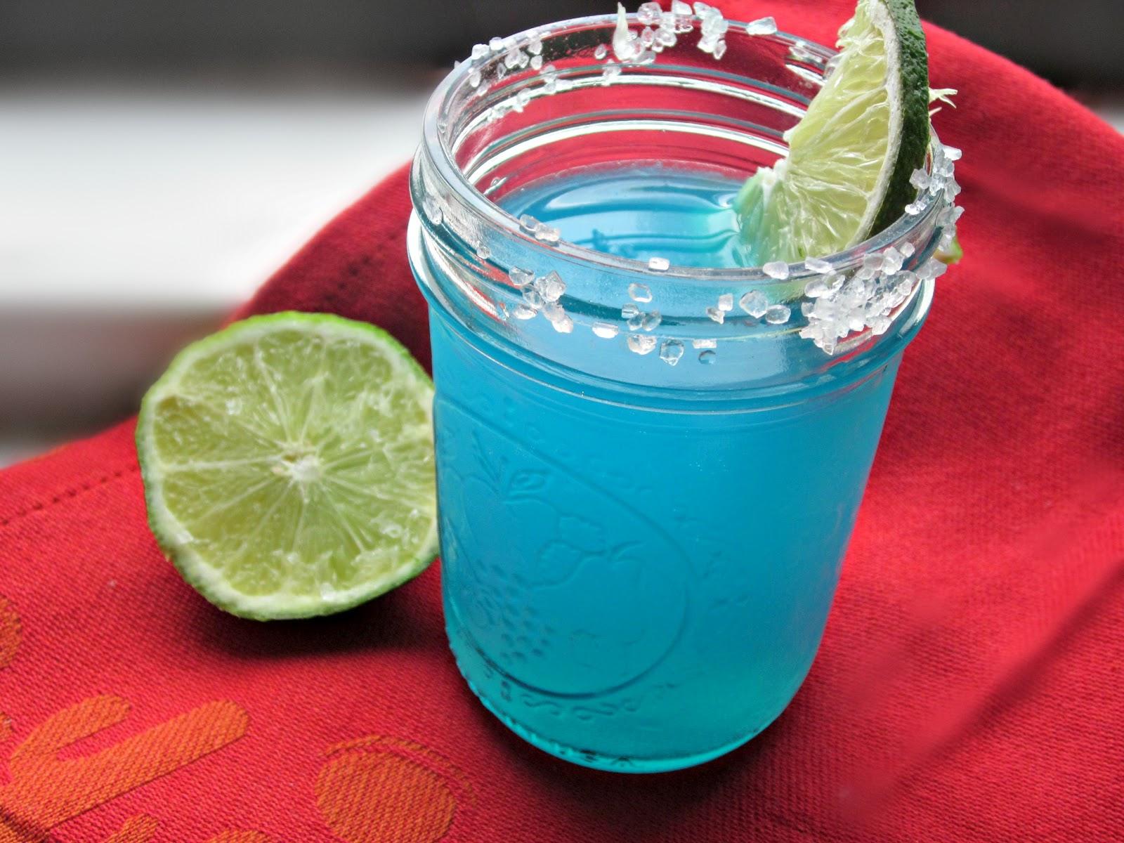 blue-margarita-drink