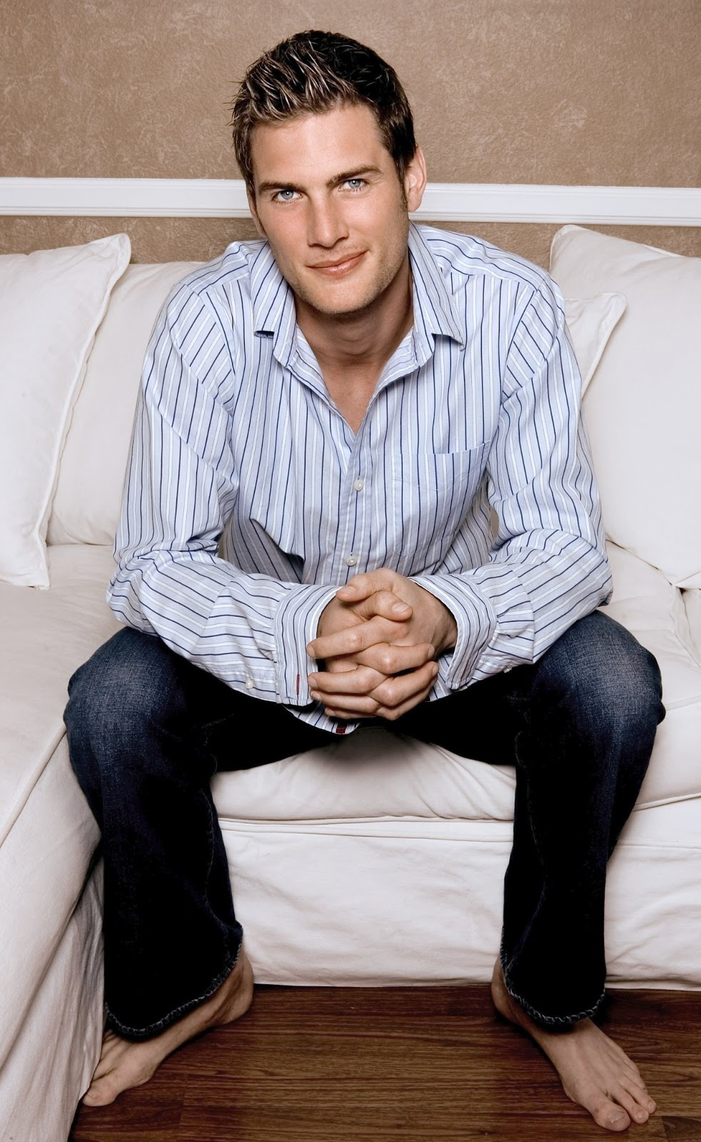 ryan mcpartlin photos tv series posters and cast