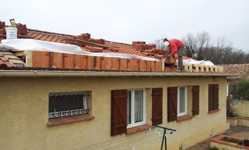 Agrandissement d 39 une maison par le haut 6 me jour for Agrandissement maison par le haut