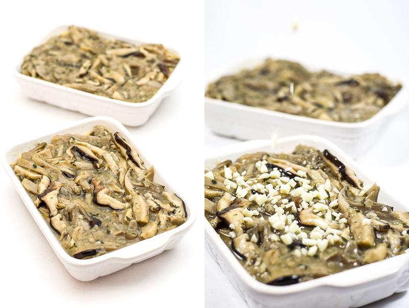 Baked polenta with shitake zložena v pekač in potresena s sirom