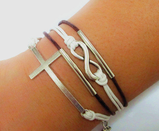 simple and attractive women bracelet