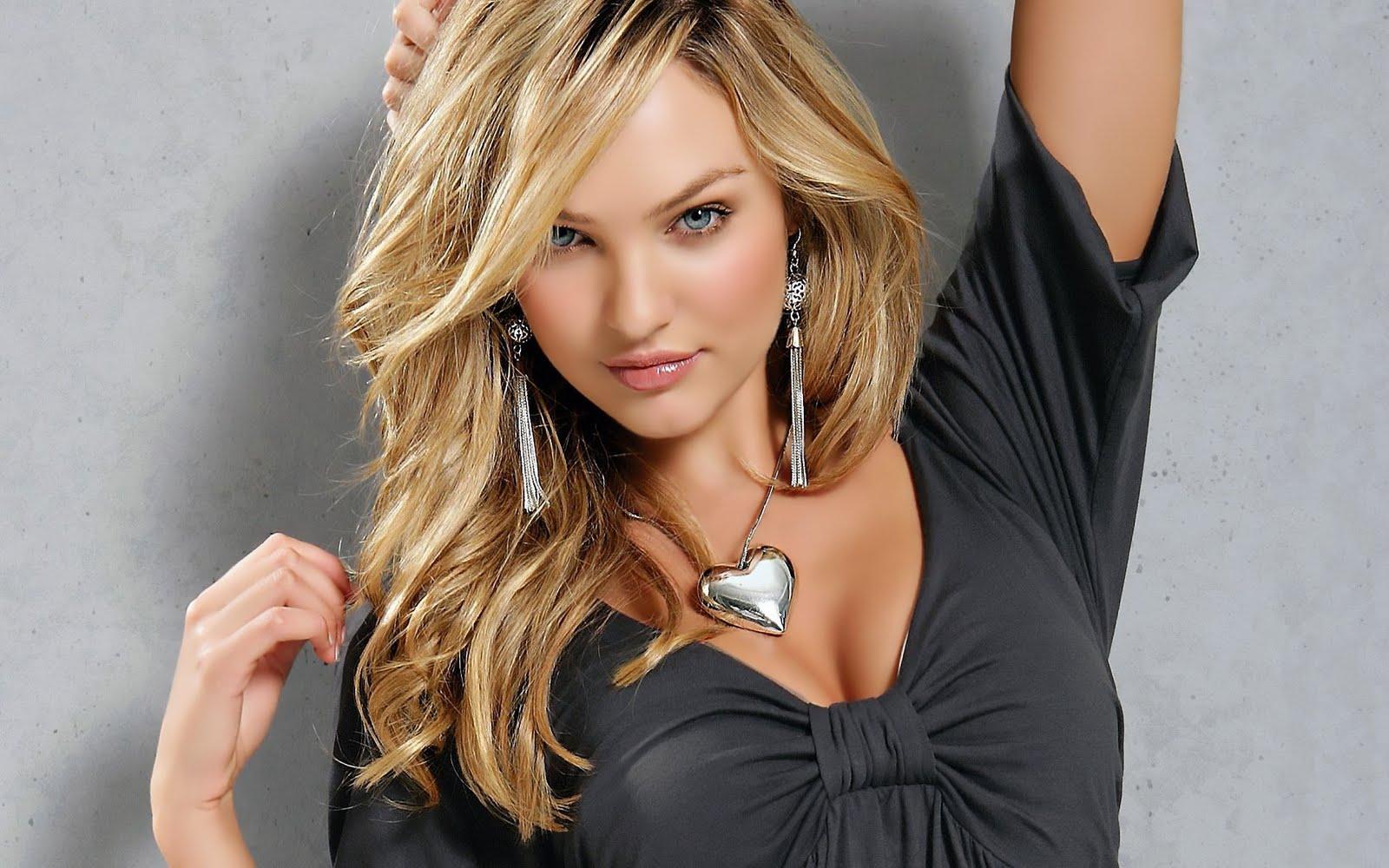 Actress boobs nude