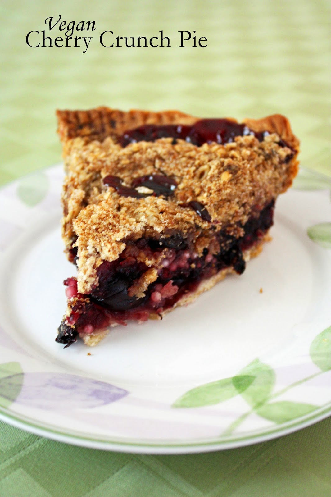 vegan cherry crunch pie
