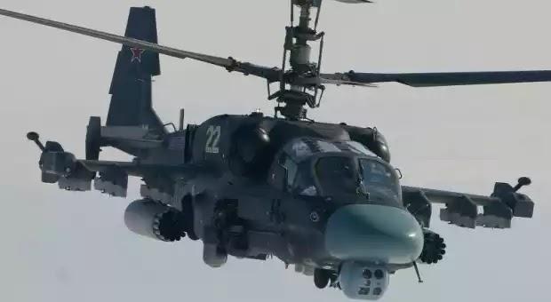 Πρώτη παρουσία των ρωσικών Ka-52K Katran στην μεγάλη ναυτική παρέλαση της Αγίας Πετρούπολης