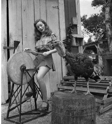 Jeanne Crain with turkey