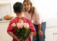 С Праздником, милые, любимые наши мамы! Желаю Вам женского счастья, восхищенных взглядов, прекрасных слов, будьте всегда красивыми и дарите всем свои нежные улыбки!
