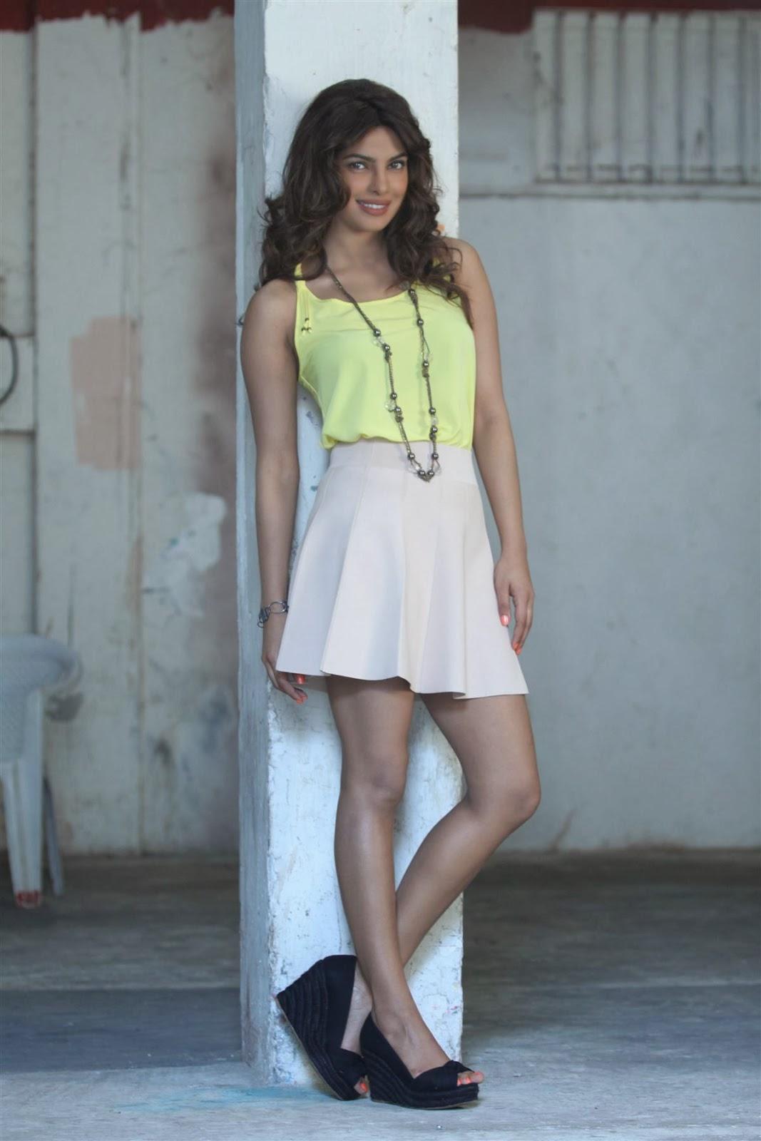 Priyanka Chopra hot Stills ~ High Resolution Pictures