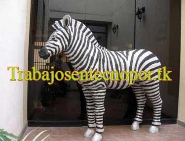 Escultura de Cebra tamaño real en Tecnopor, ejemplo de Animales en tecnopor