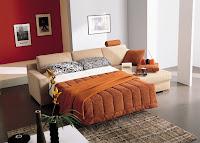 un sofá cama