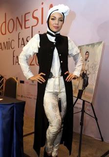 Aneka Hijab Modern Terpopuler Ala Dewi Sandra