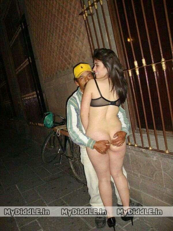 Desi Lucky Guy with Foreign Hot Girl Naked Nude on street