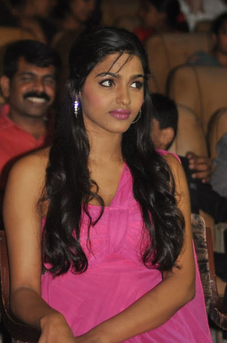 dhansika at benze vaction awards photo gallery