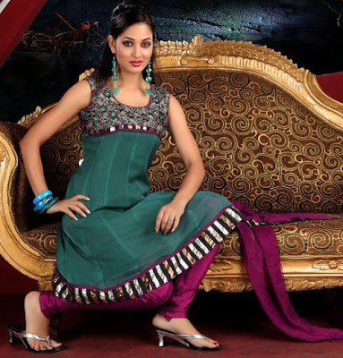 Latest-Girls-Anarkali-Frocks-With-Churidar