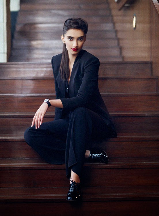 Fashionable Sonam Kapoor's Cosmopolitan October 2009 Photos