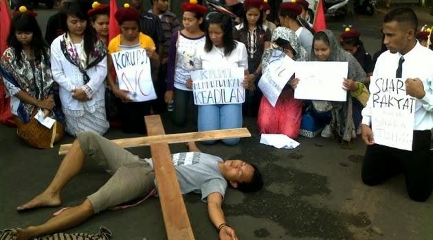 5 Aksi Protes Paling Mengerikan