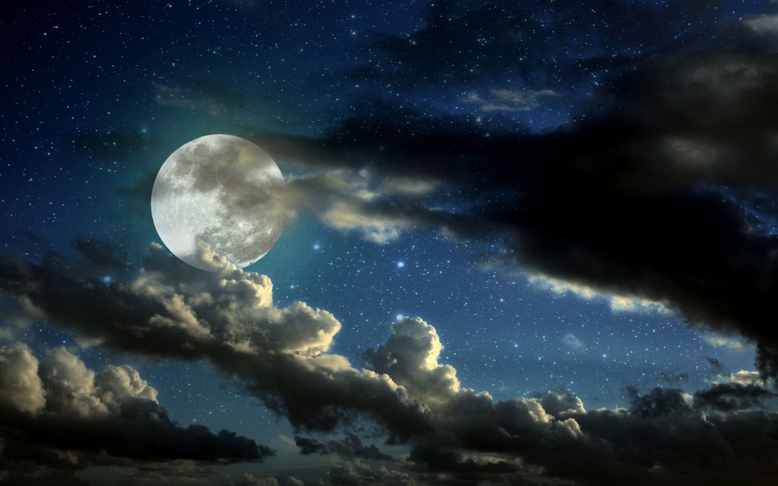 Atmospheric Phenomena: Pictures: Moon in the Starry Sky at ...