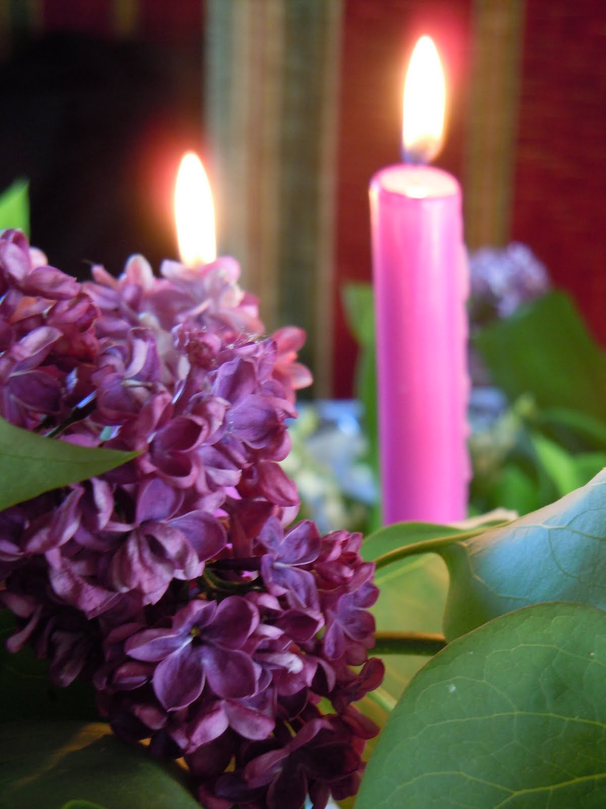 lylou anne collection ma table muguet couleur lilas. Black Bedroom Furniture Sets. Home Design Ideas