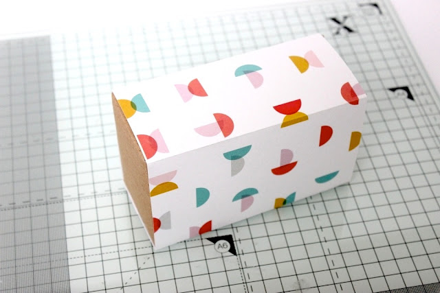 http://danipeuss.blogspot.com/2016/01/upcycling-von-der-tee-zur-geschenkverpackung-anleitung.html
