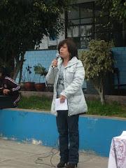 Recitando algunos de mis poemas en mi Colegio .H.U