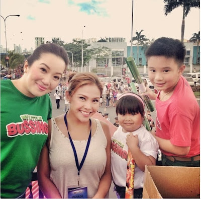 stars 'Bimby' and Ryza Mae with Kris Quino at the float of 'My Little Bossings'