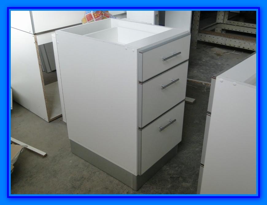 Muebles de cocina detalle para instalar cajones correctamente  Web
