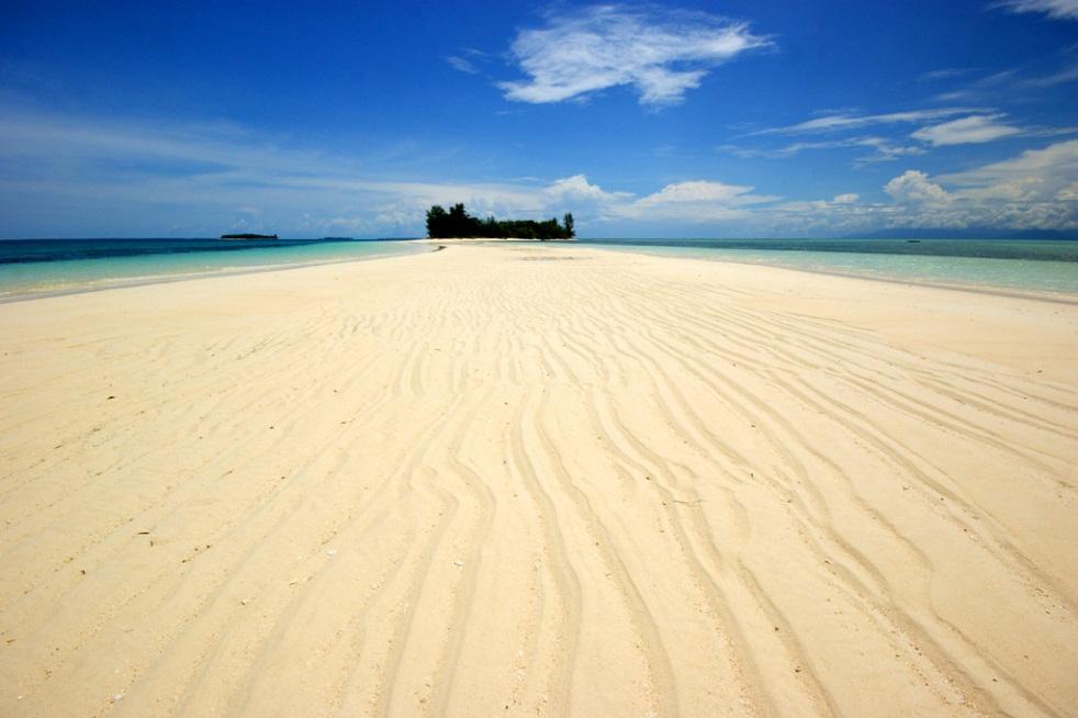 Pulau Una Una Indonesia  City pictures : SUKSES BELAJAR: 5 Pulau Indah di Indonesia yang Masih Tersembunyi