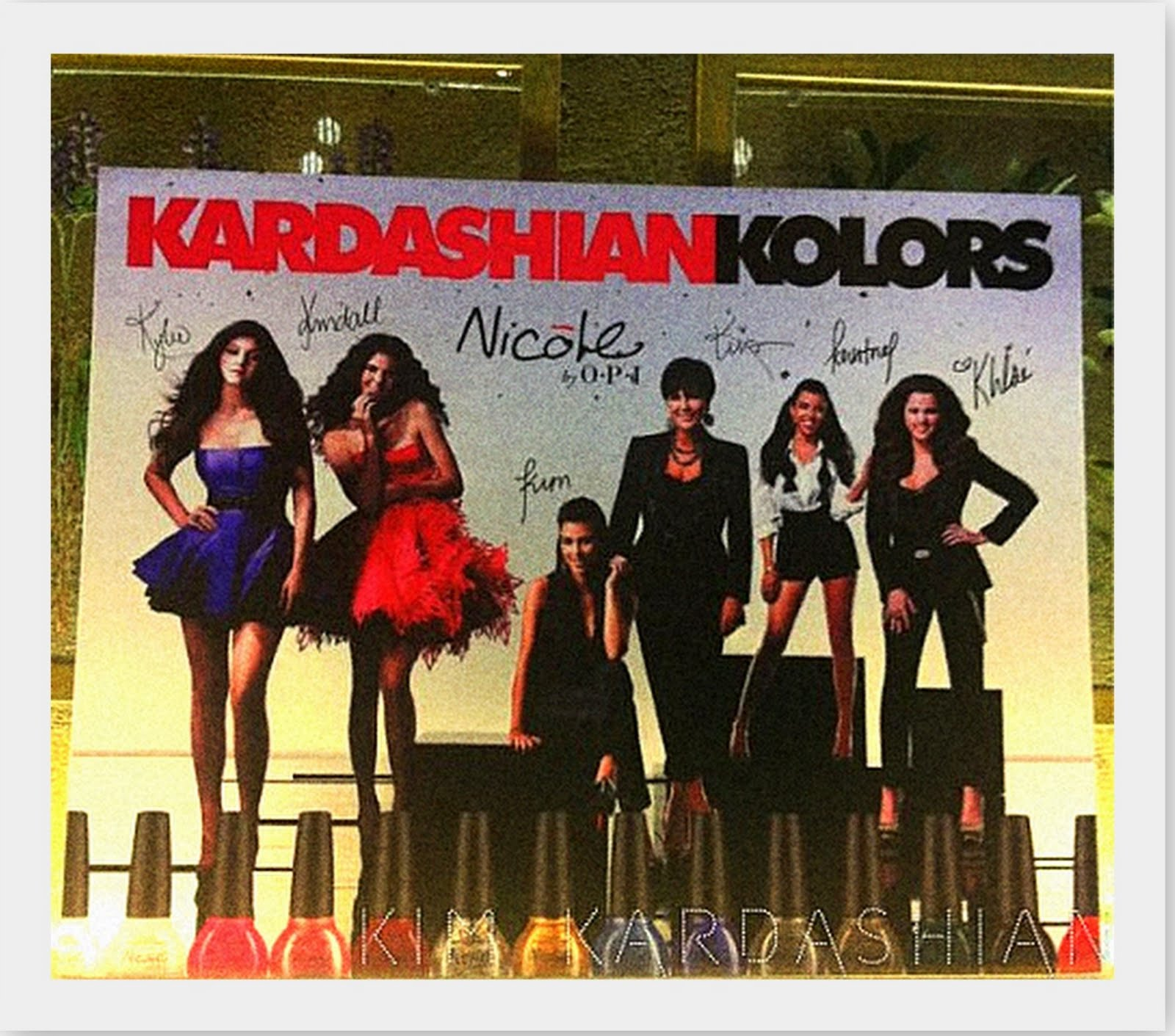 http://3.bp.blogspot.com/-jOnBU_5rboE/Th1CyG1747I/AAAAAAAABFQ/w0oXe5aikUw/s1600/Kardashian+Kolors1.jpg