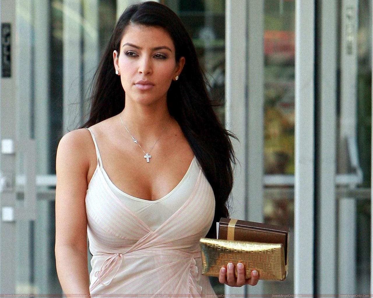 http://3.bp.blogspot.com/-jP8A4IDCbms/TXtHyopr_WI/AAAAAAAAFcc/RygO3DmKDGk/s1600/actress_kim_kardashian_hot_wallpaper_sweetangelonly_34.jpg