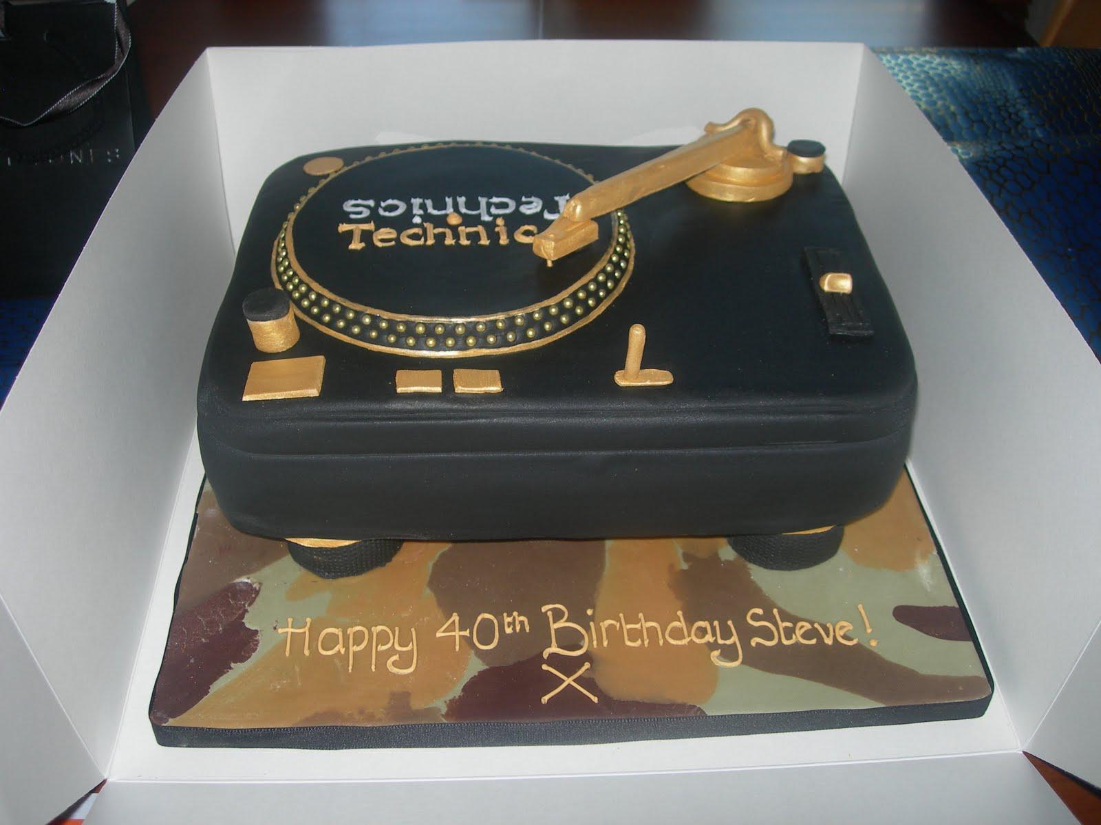 Custom Cake Designs Uk : Custom Cake Design: Turntable cake Steve s 40th