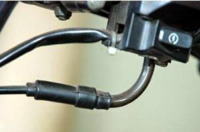 Tips dan Cara Membersihkan Kabel Gas Motor yang Seret