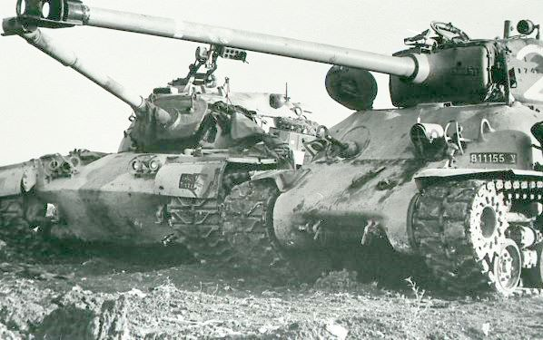 Танки M48 Паттон и M51 Шерман
