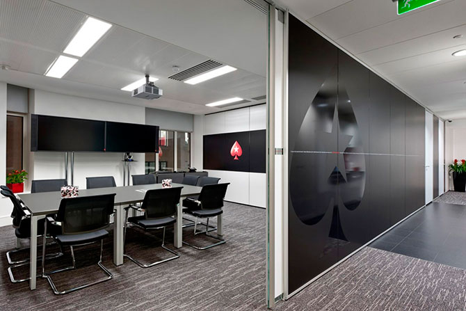 Las oficinas de pokerstars en londres rinc n abstracto for Videos de oficina