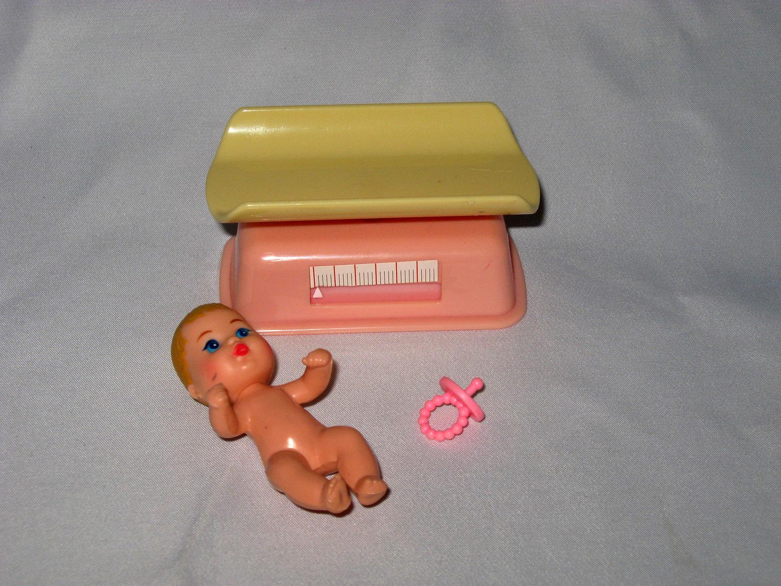 Фото детской мебели для куклы Барби