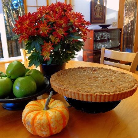 ... walnut streusel raspberry cinnamon streusel tart apple streusel tart