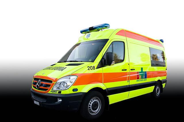 Gambar Mobil Ambulance 13
