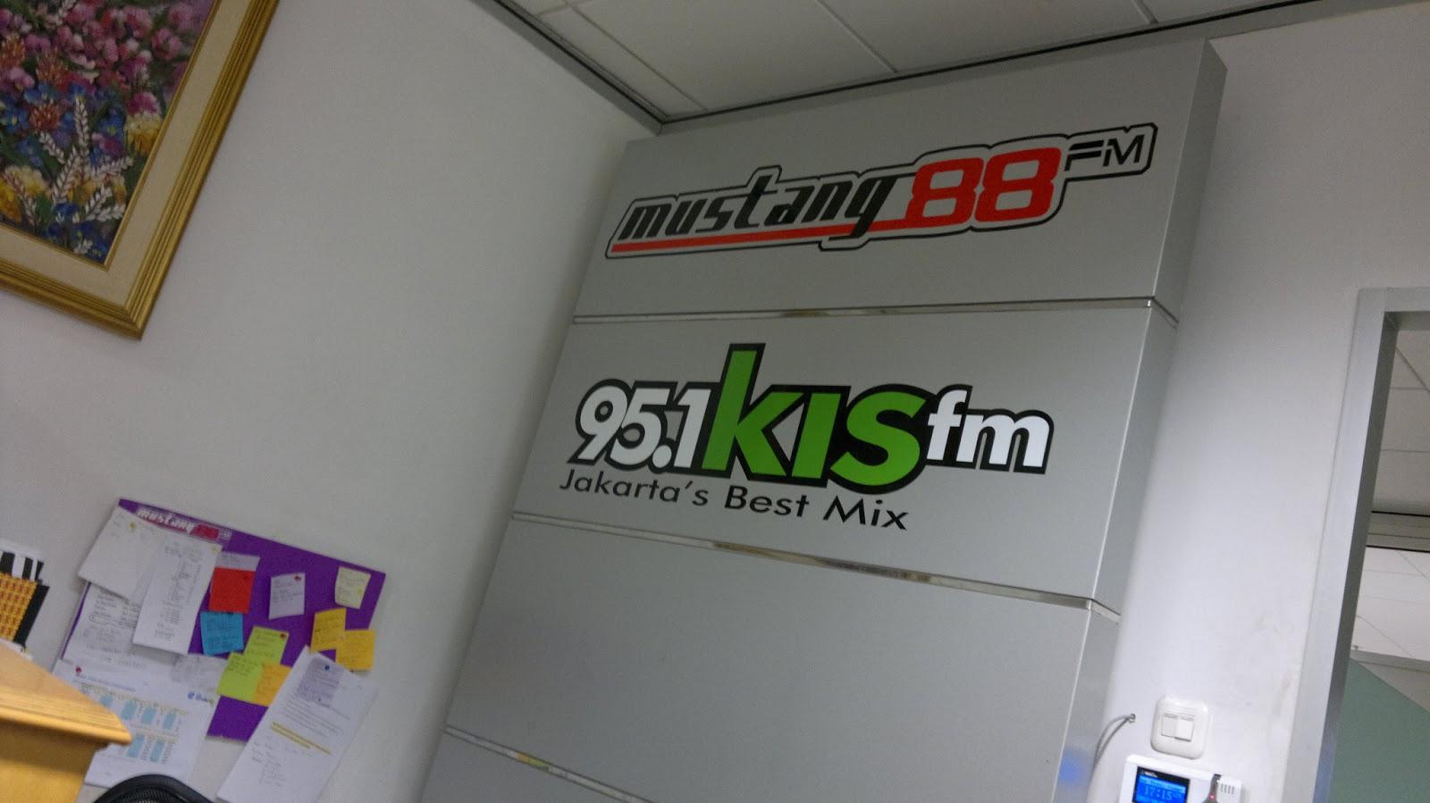Radio Branding Materials Indoor Sign Mustang Fm Amp Kis