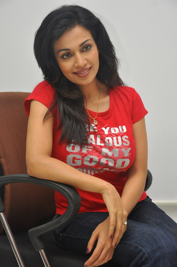Hot Picture Of Hollywood Asha Saini Tshirt Jeans Photoall Indian