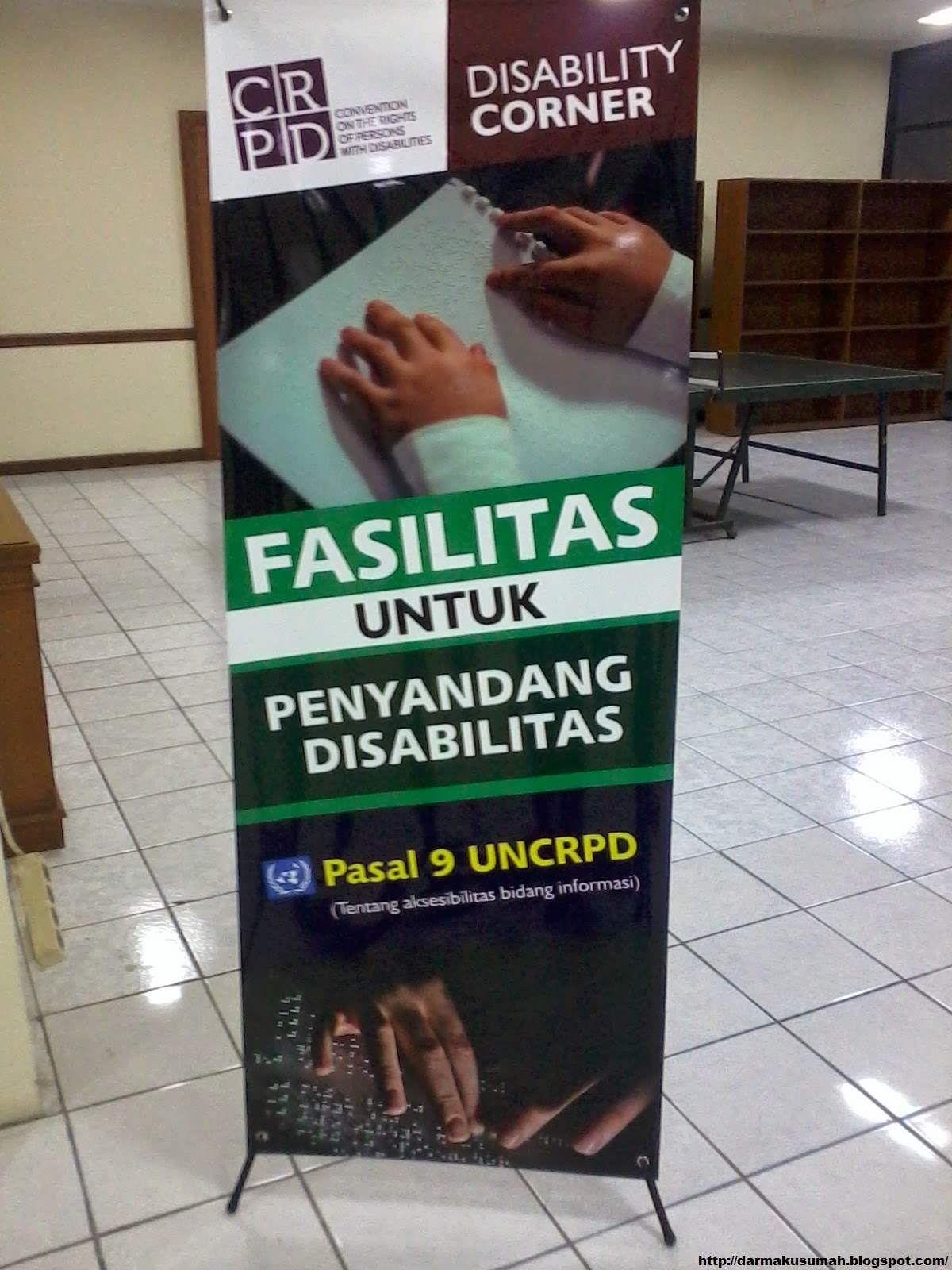 Standing Banner Pelayanan Khusus UNJ
