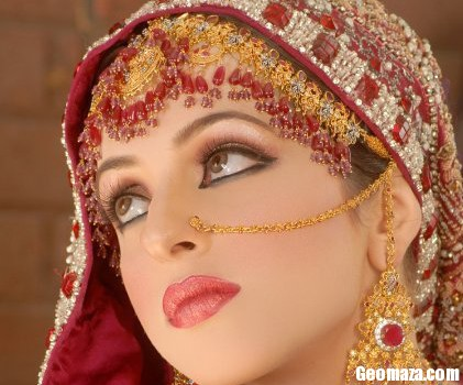 Mehndi Bridal With Matha Patti : Bridal matha patti designs fashion in new look
