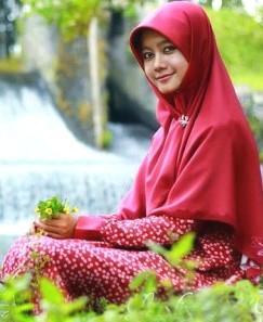 wanita+gadis+berjilbab+manis+2 Foto Wanita Muslimah Cantik Berjilbab
