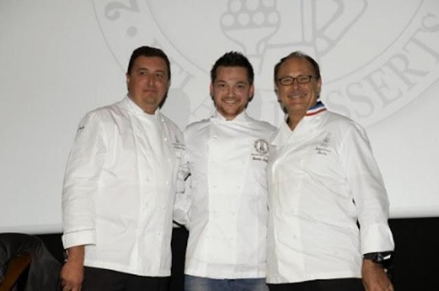 Trophée du Meilleur Espoir Pâtissier remis par Jean Paul Hévin à Quentin Bailly