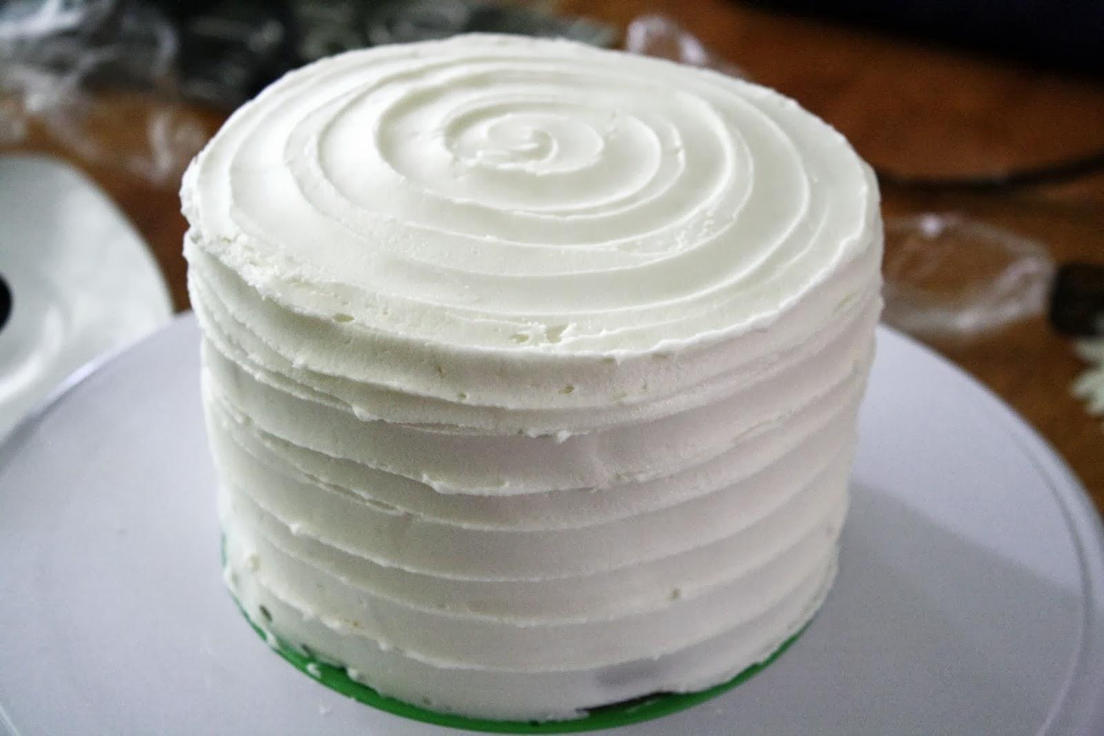 Cake Decorating Timeline Buttercream : Making Mama s Kitchen: Wedding Cake Timeline