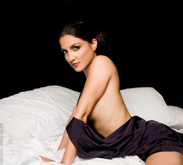 Hot Canadian Actress Nazneen Contractor