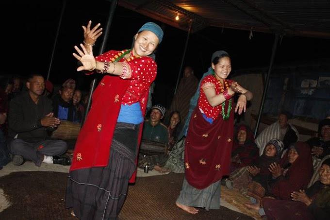 村人たちの歓迎 ~踊り~