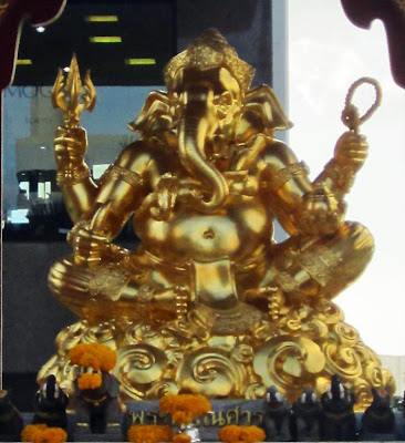Golden statue of the diety Ganesh